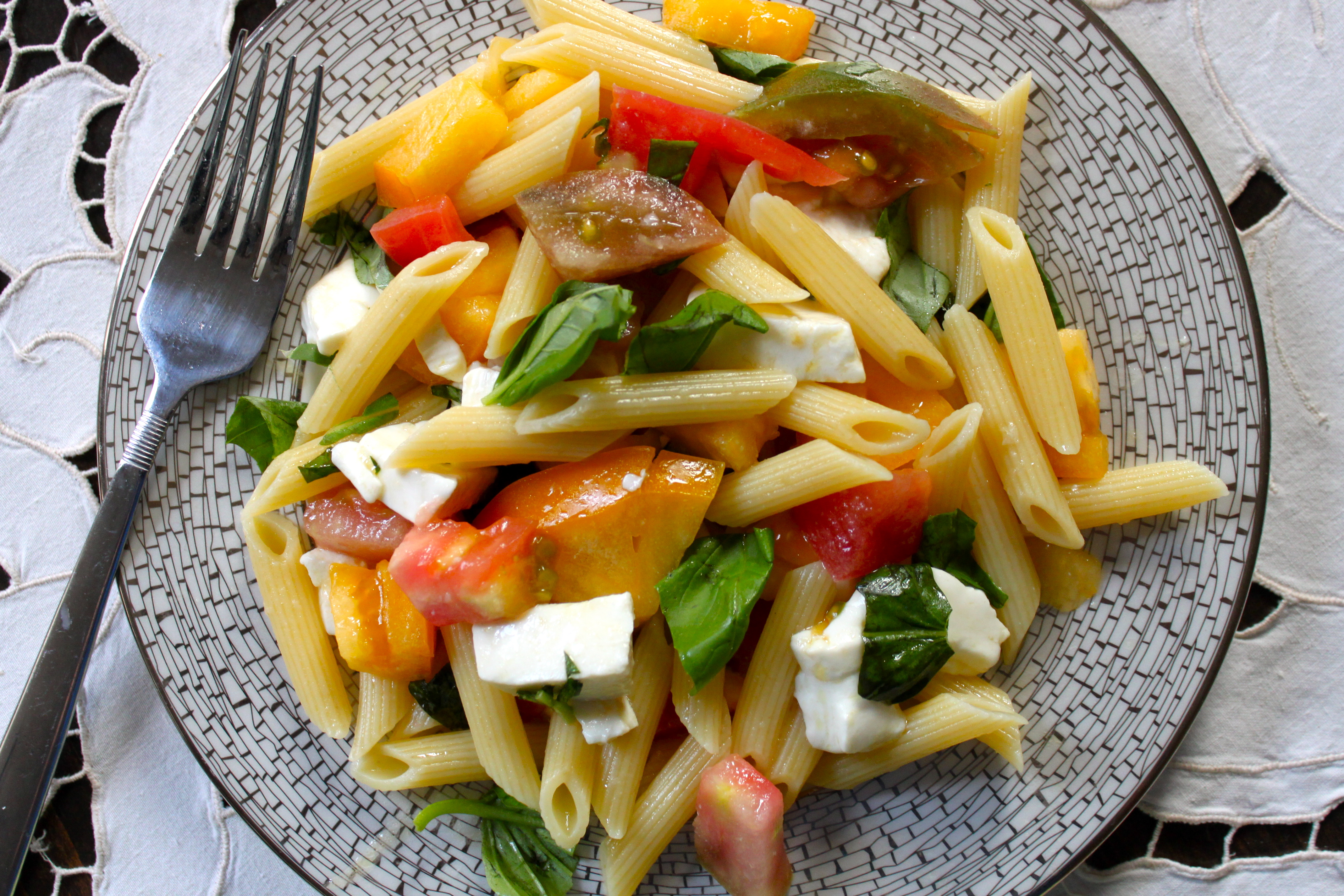 Rainbow Garden Penne With Heirloom Tomatoes Fresh Mozzarella And Basil Ramshackle Glam