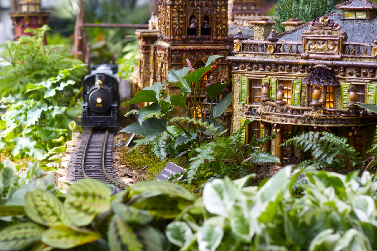 New york botanical garden holiday train show ramshackle glam Botanical garden train show