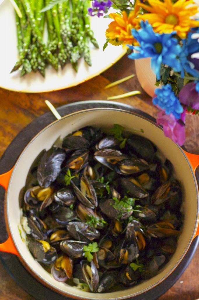 mussels white wine garlic