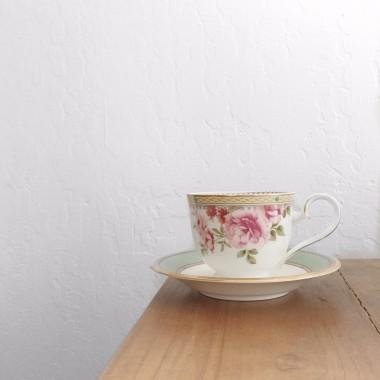 gold floral teacup