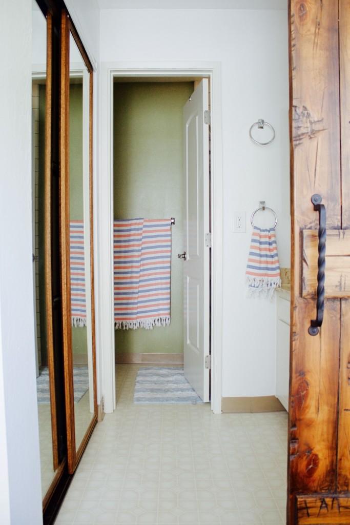 claustrophobic bathroom