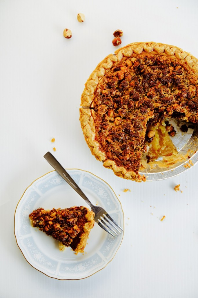 An easy recipe for a dessert crostata with chocolate and hazelnut
