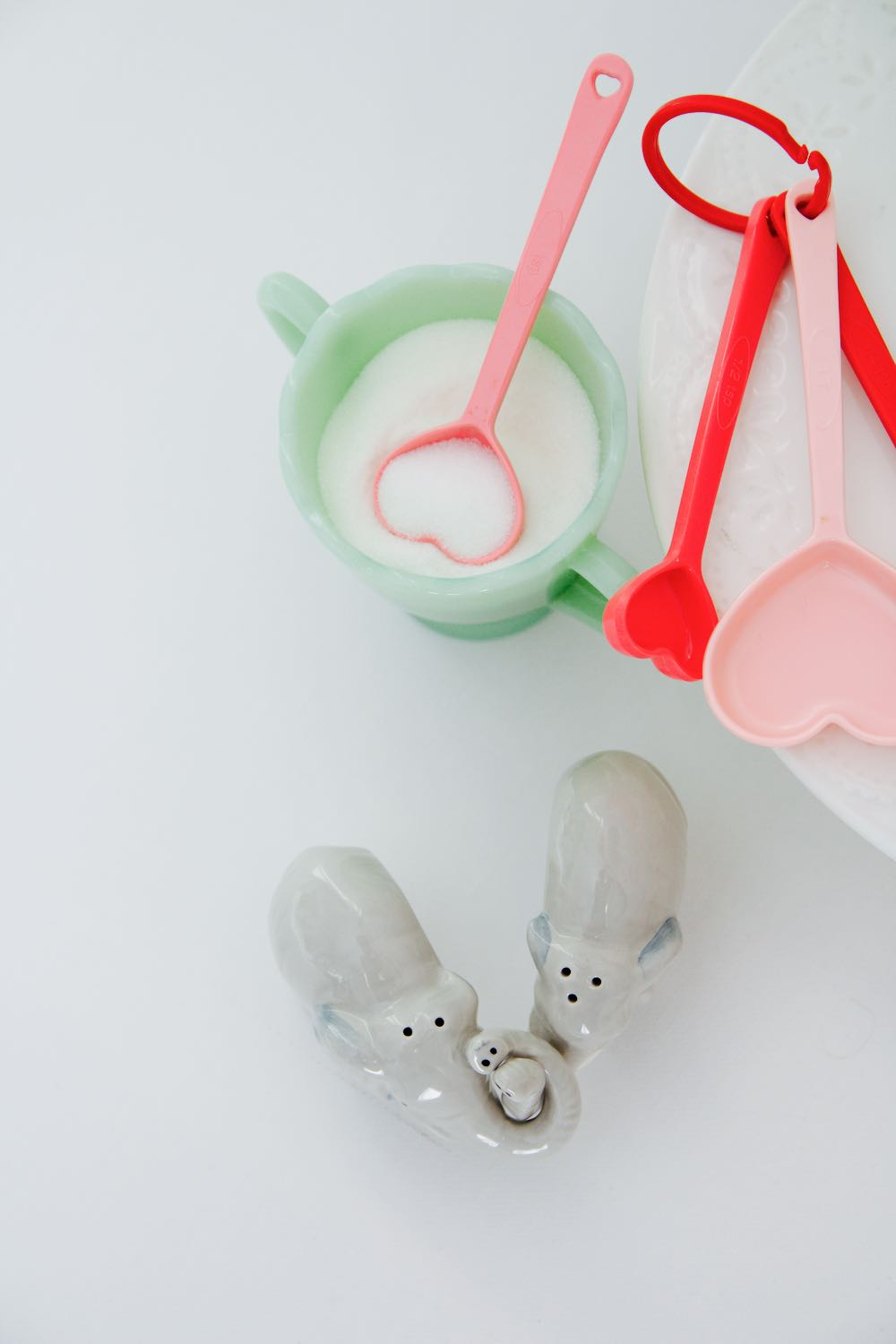 Pink and red measuring spoons from Modcloth