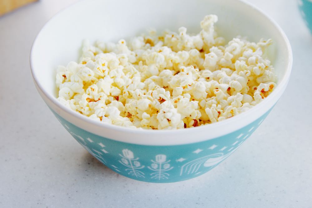 How to make homemade microwave popcorn with no oil