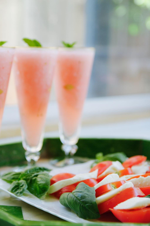 Summertime alfresco lunch: caprese salad and frosé (frozen rosé)