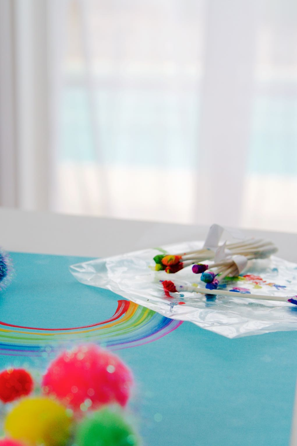 how to make a rainbow using q tips and paint