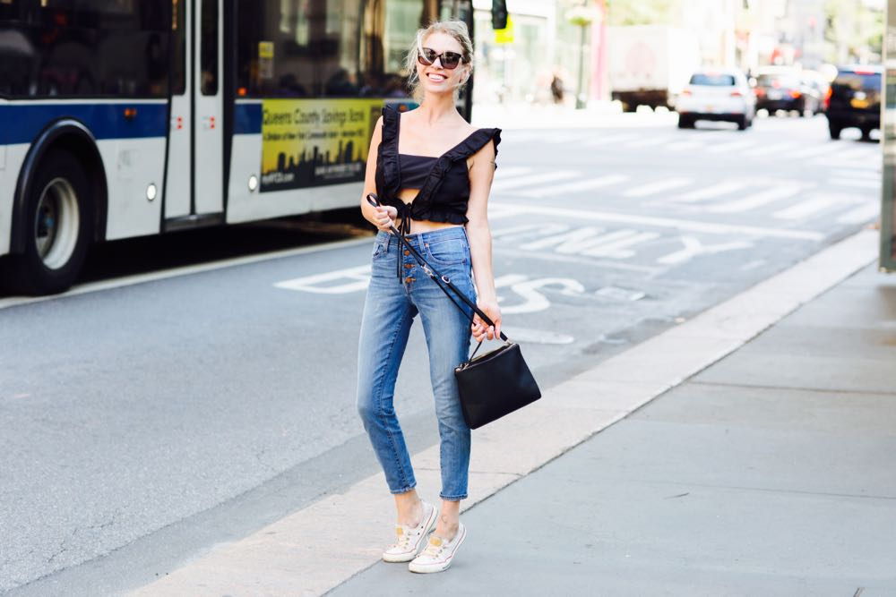 black crop and high waisted jeans street style