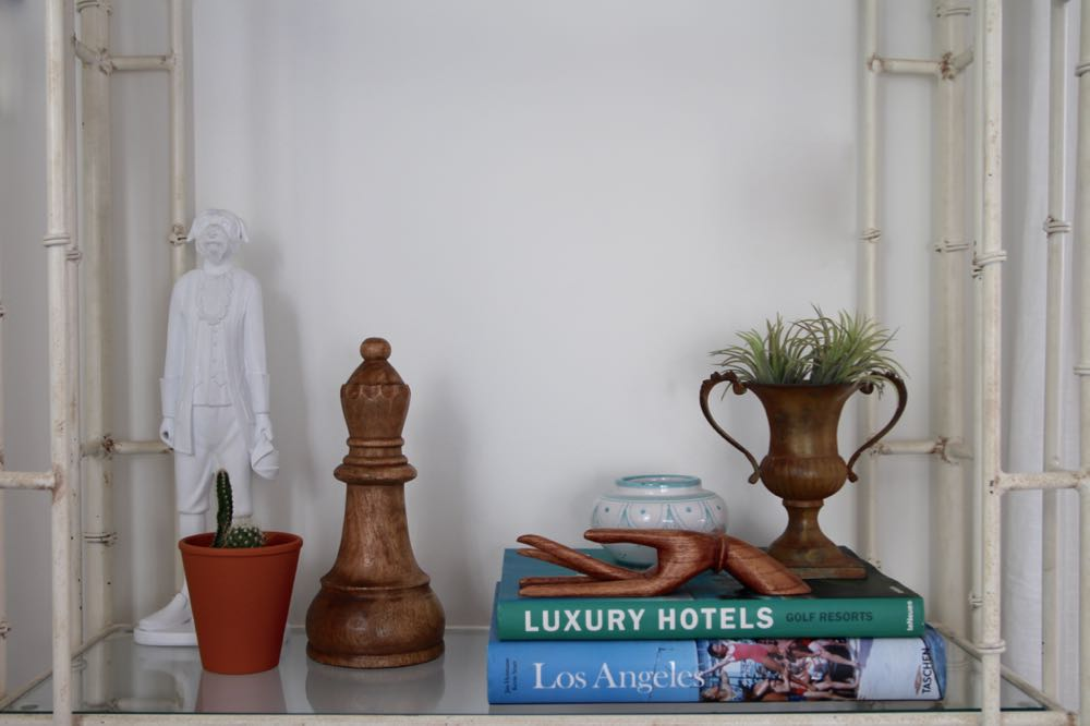 How to style your bookshelf simply and easily