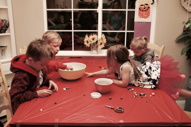 CHILDREN'S CRAFTING PLAYDATE