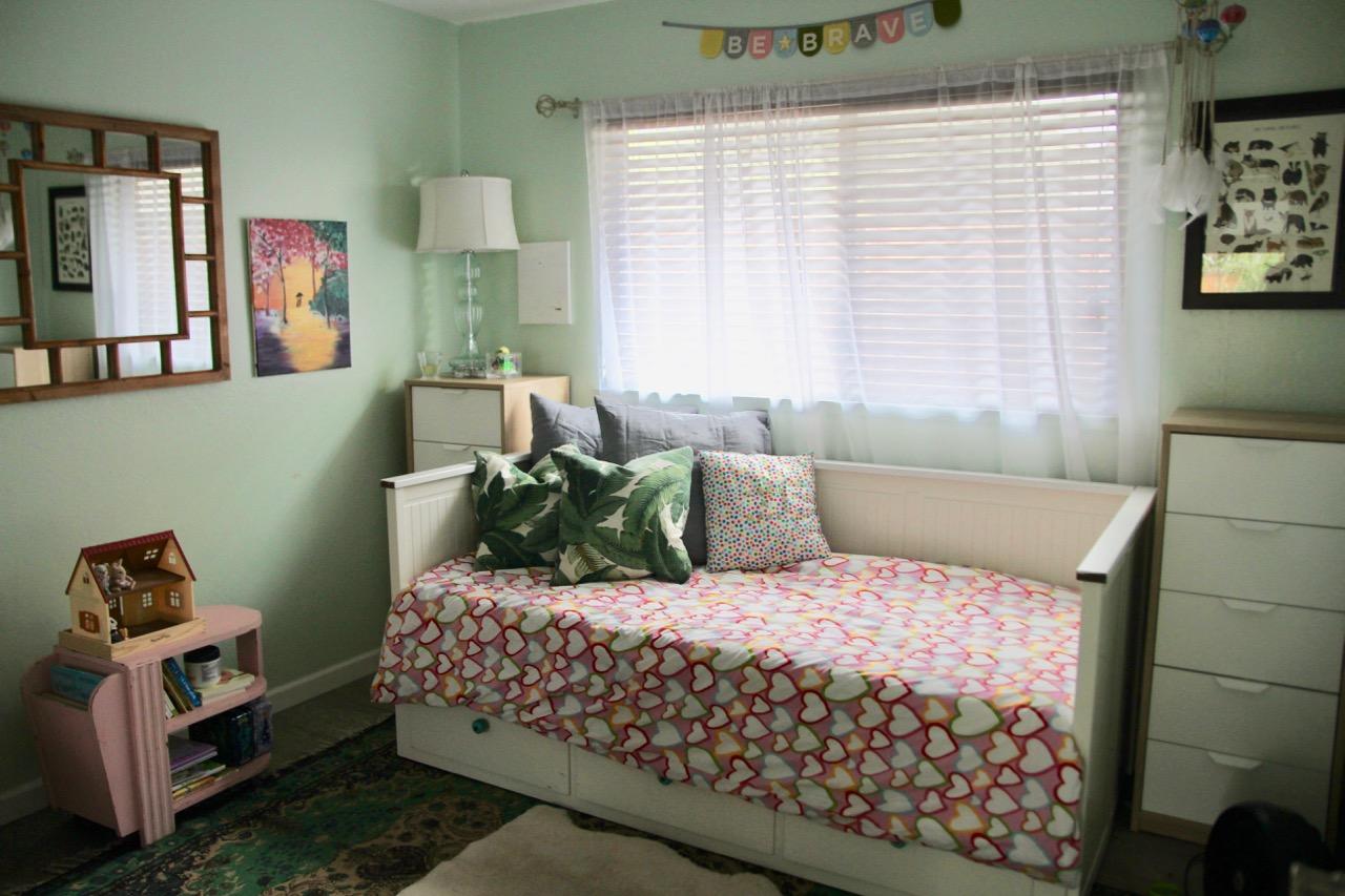 ikea hemnes day bed in little girl's room