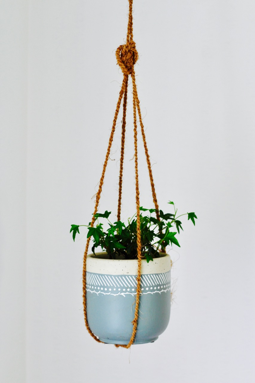 how to make an easy plant hanger with twine or rope
