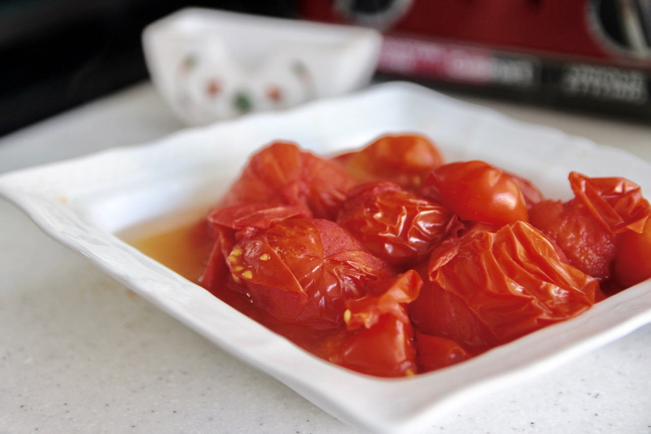 How to make sauce with tomatoes from your garden