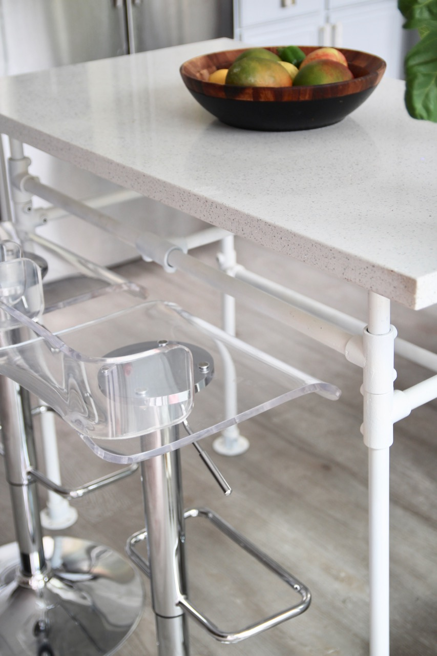 How To Make An Awesome Kitchen Table With Plumbing Pipes