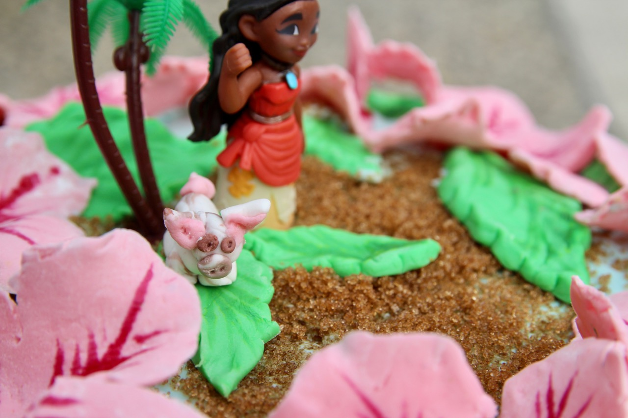 how to make a moana theme birthday cake out of fondant