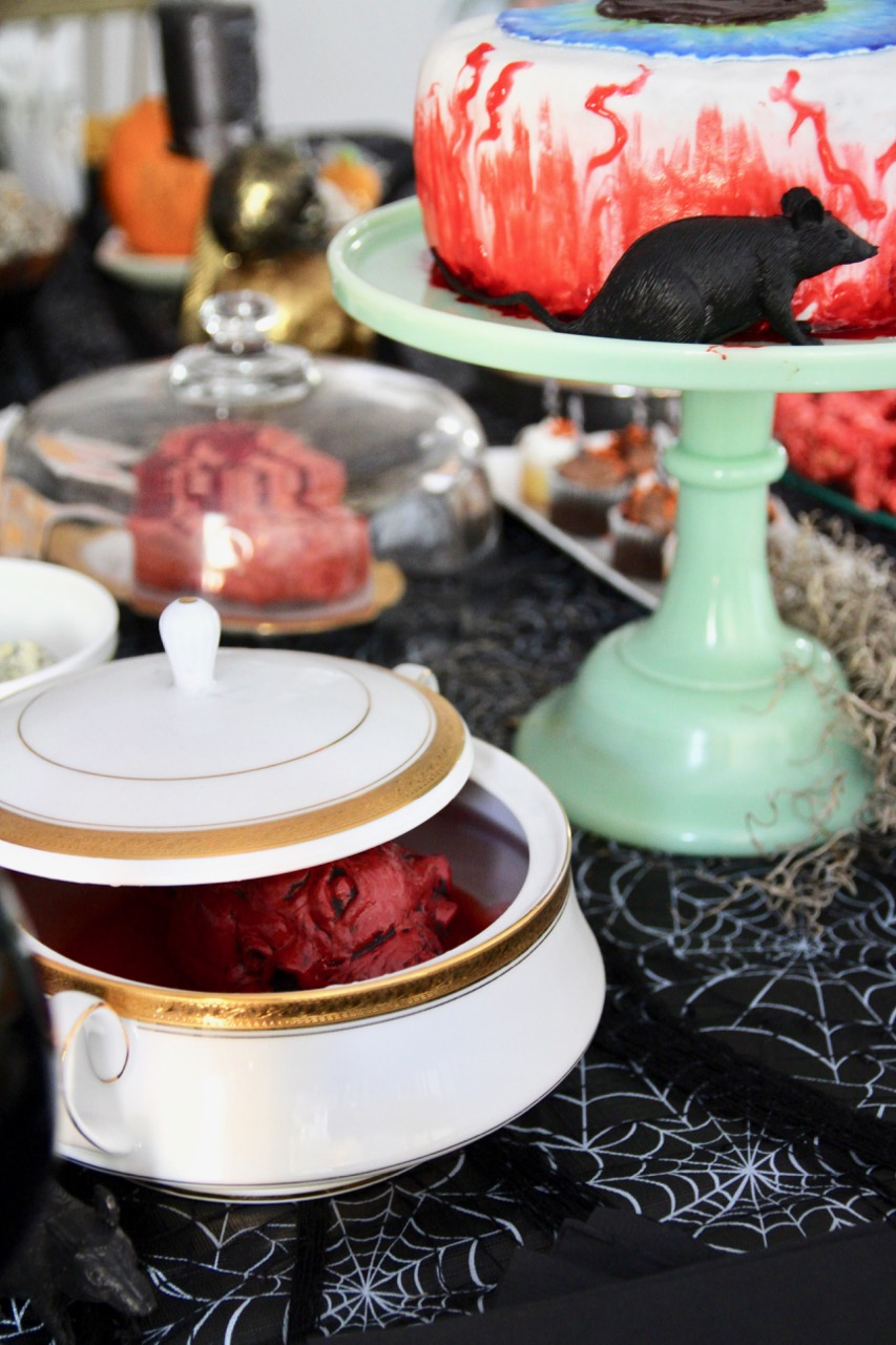 easy spooky halloween party decor ideas