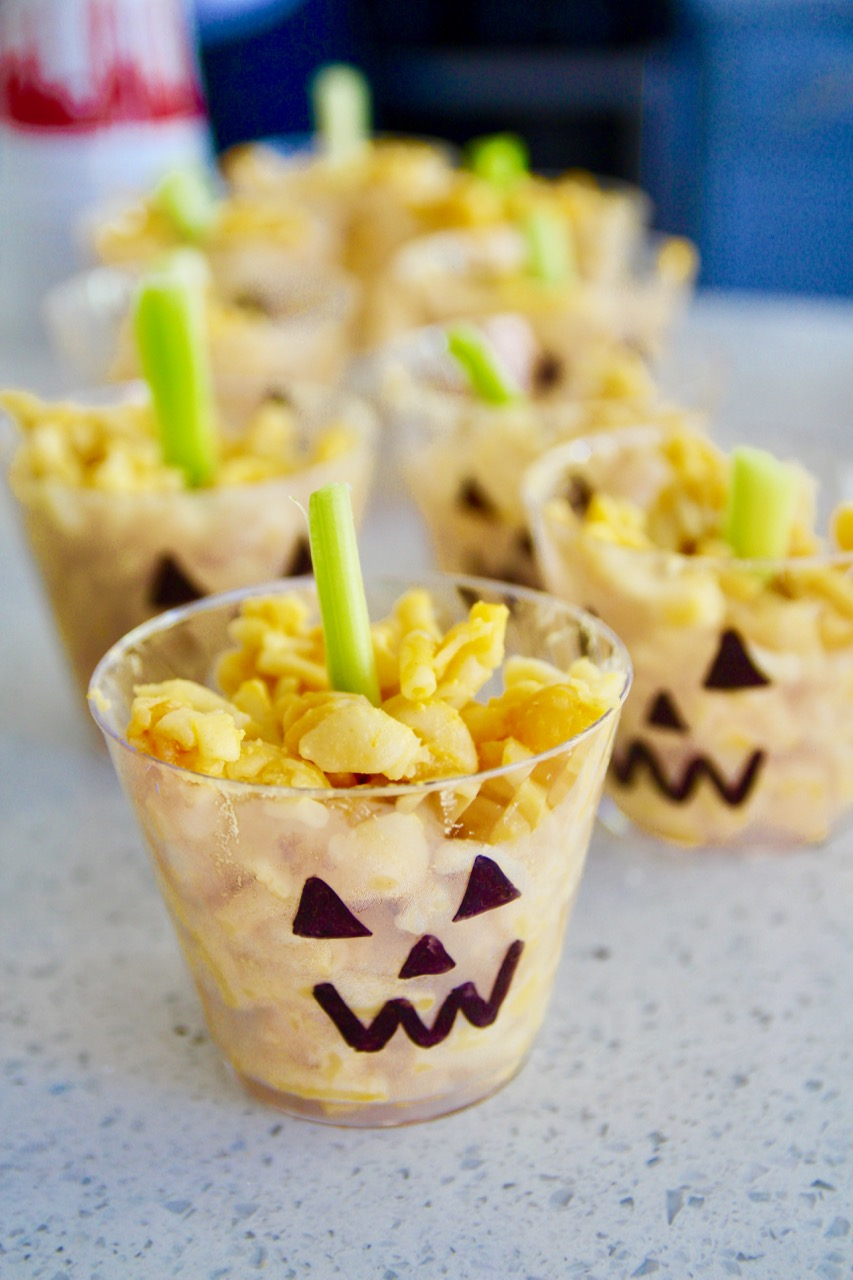 macaroni and cheese pumpkin cup kids snacks for a halloween party
