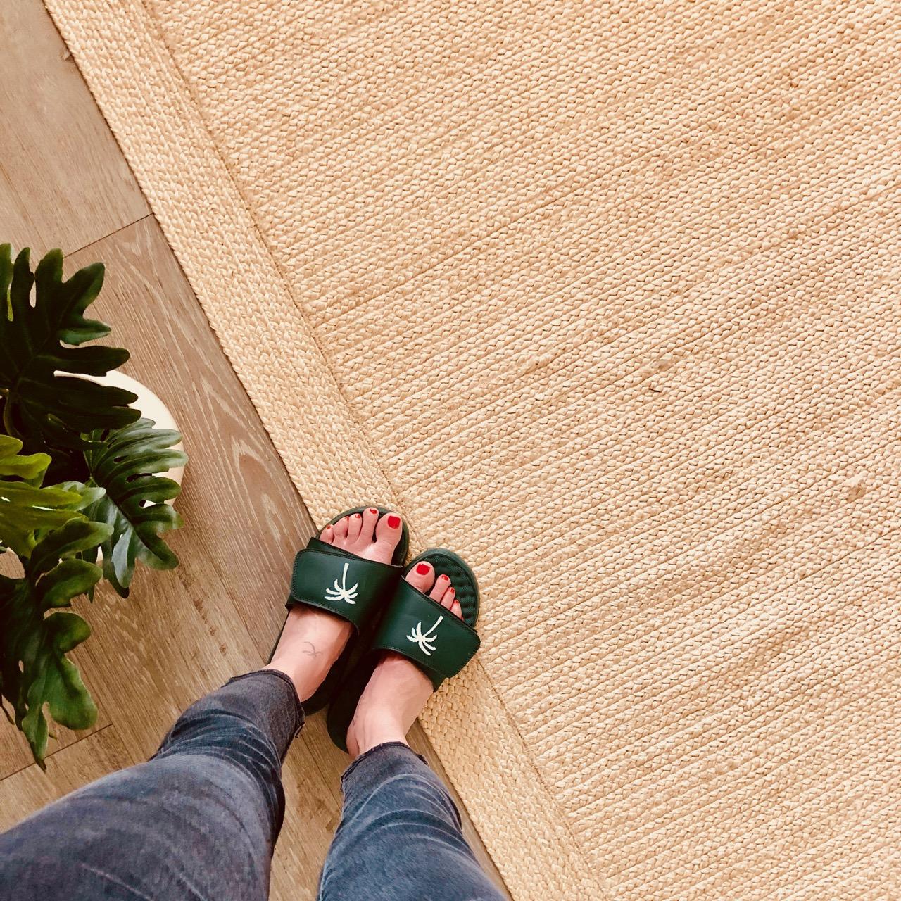 I slide customized slides and flip flops