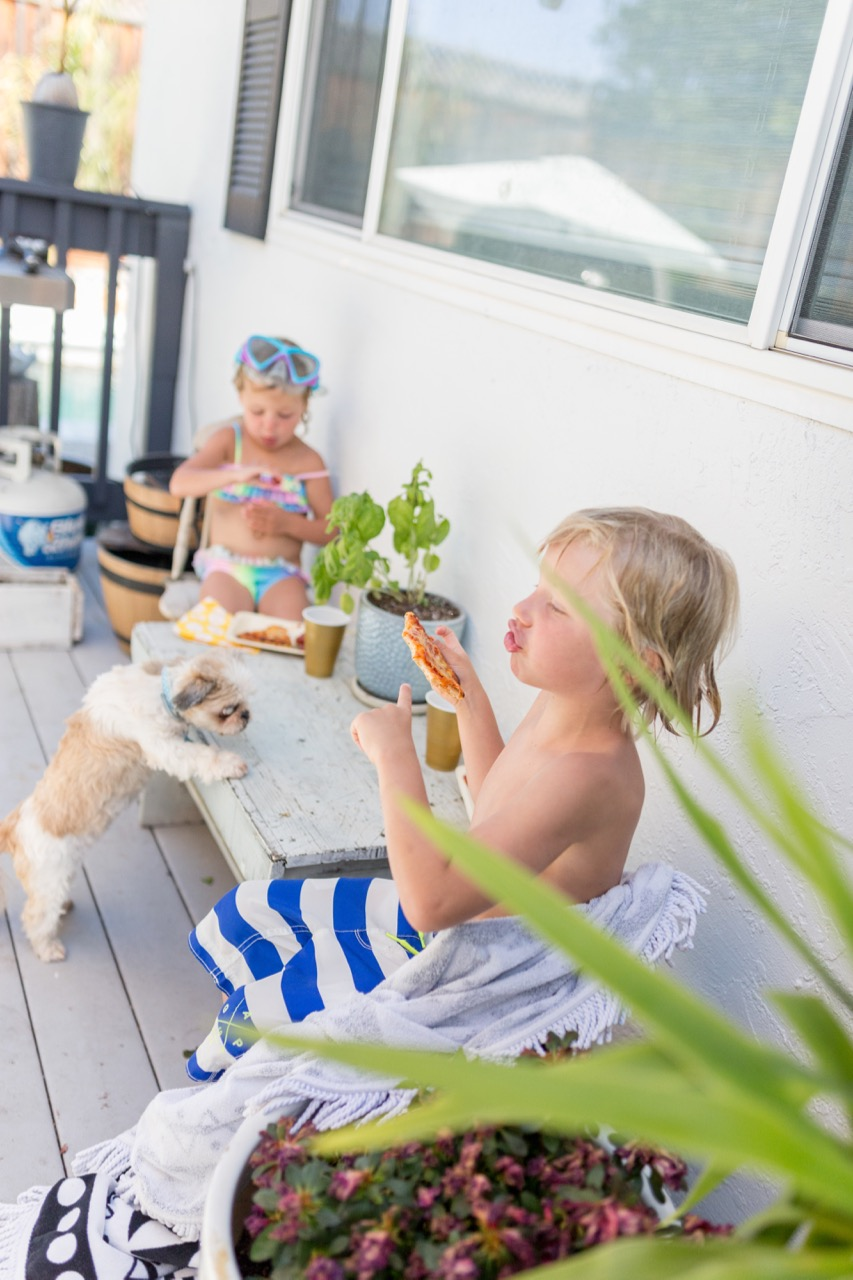 how to feed kids at your summertime outdoor party