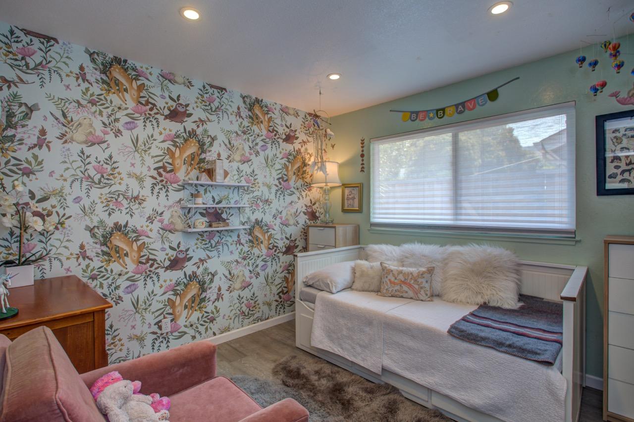whimsical girl bedroom wallpaper