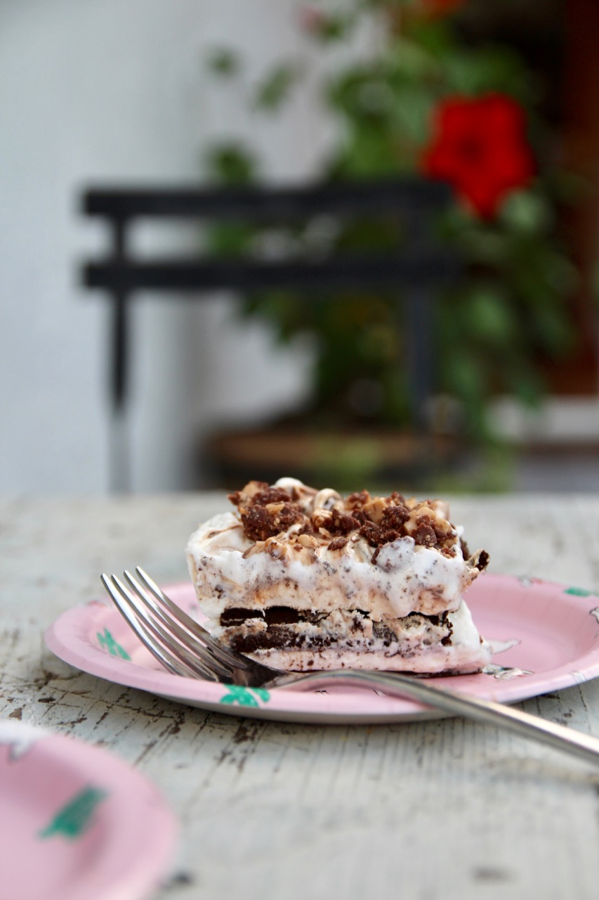 ice cream sandwich layer cake