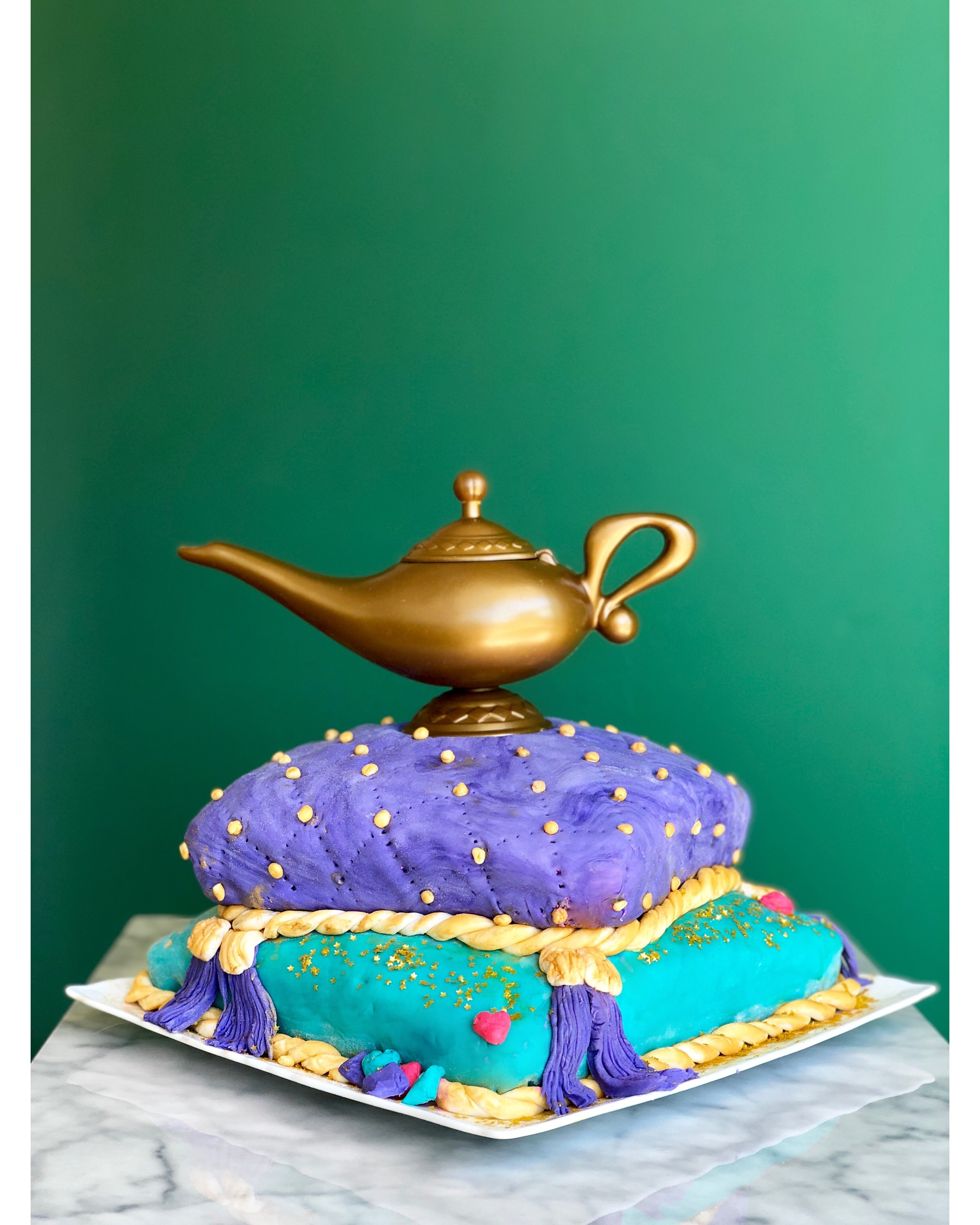how to make a cave of wonders Aladdin genie themed birthday cake