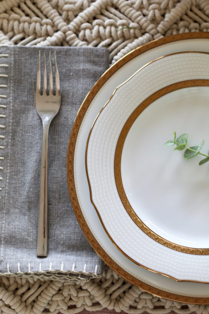 noritake china microwaveable gold rimmed china plates