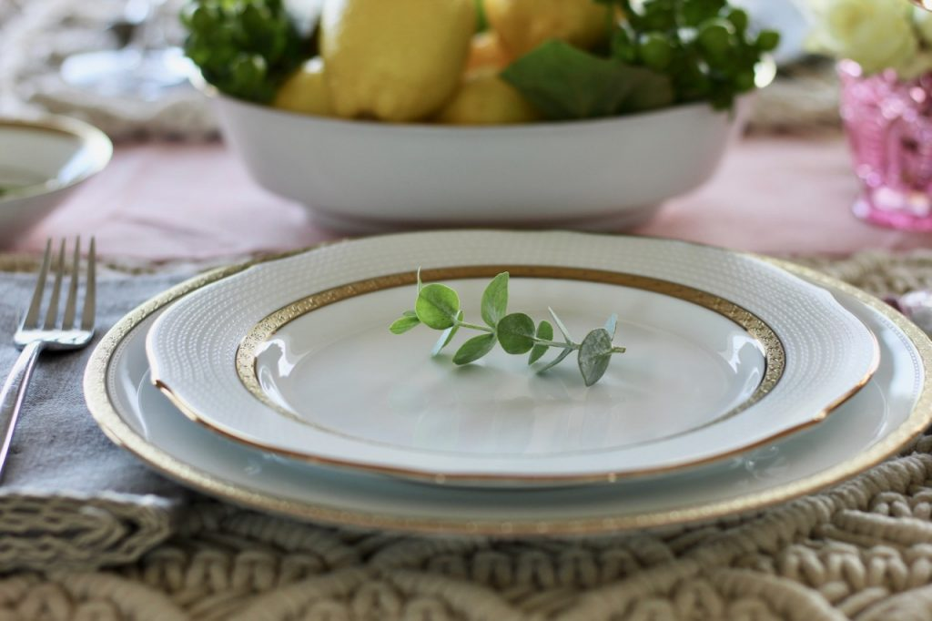 noritake china microwaveable gold rimmed china plates