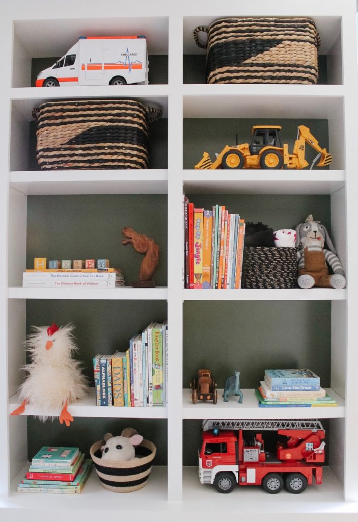 how to style a toddler bookshelf