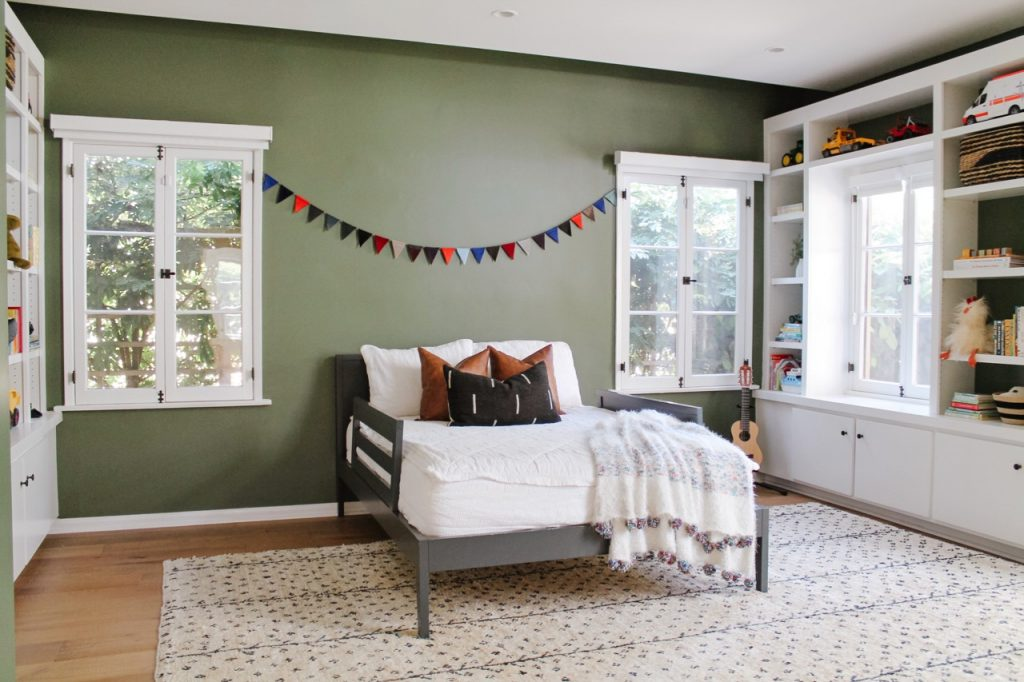 child's bedroom green wall